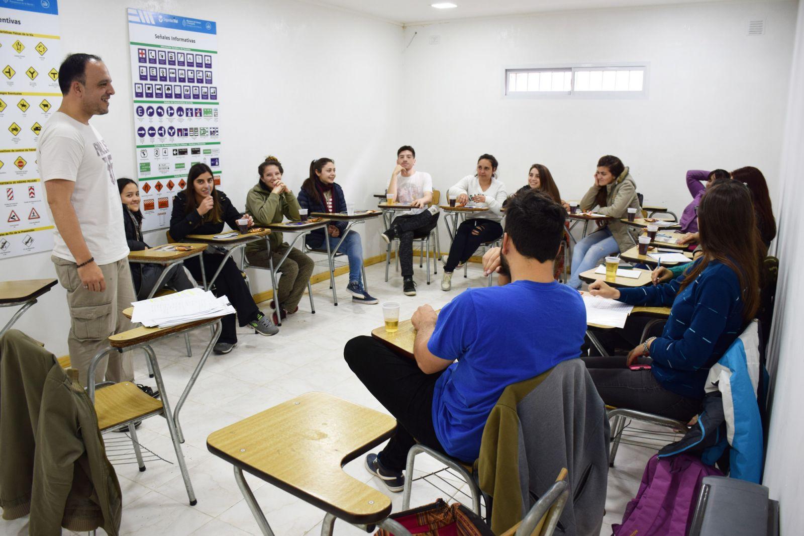 Municipalidad ciudad de rufino for Oficina de empleo cursos